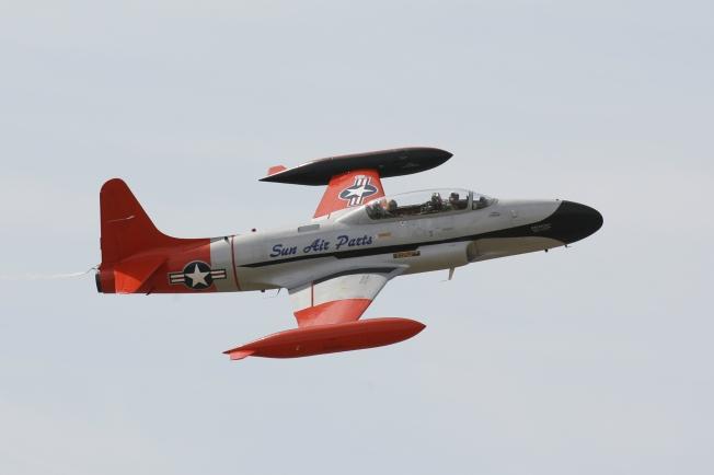 Pace Plane T-33, Steve Hinton Sr. Pilot